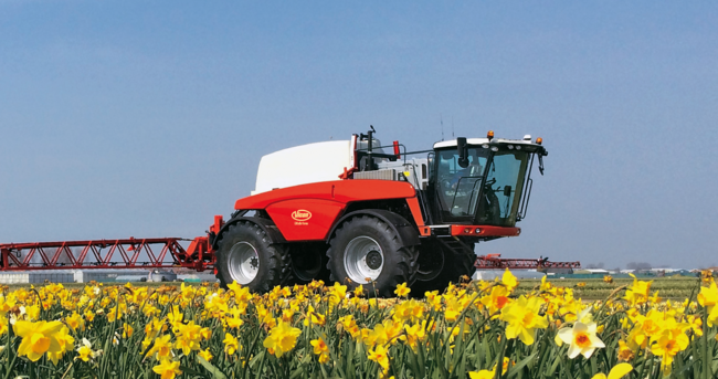 Introducing the new Self-Propelled Sprayer – Vicon iXdrive / Archive